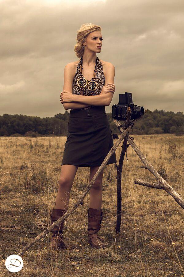 women explorer, safari photoshoot