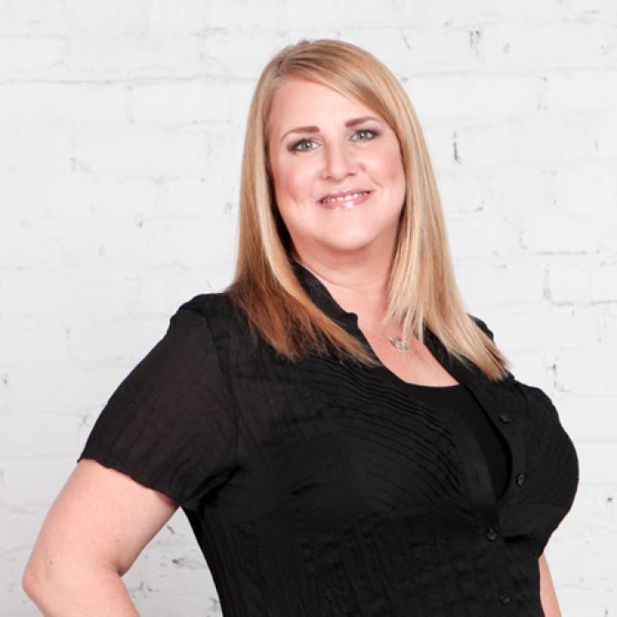 Lori Thomas - Stylist at Dosha Salon Spa
